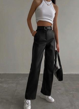 Кожаные штаны прямого кроя