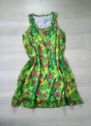 Яркое зелёное платье gloria jeans цветочный принт шифоновое прямое свободное