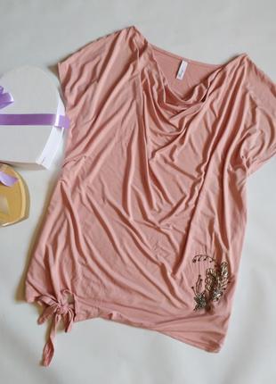 Красивая футболка блуза свободного кроя
