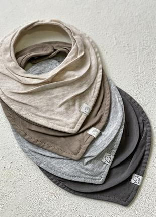 Слюнявчик шарф