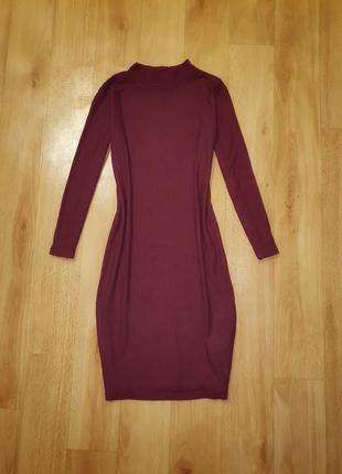 Платье в рубчик.