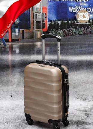 Яркие качественные чемоданы, польша , поликарбонат