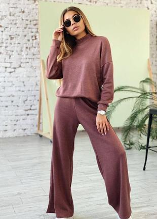 Крутой теплый и мягкий костюм со свободными брюками штанами