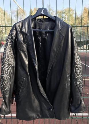 Дизайнерская кожаная куртка франция! кожаная куртка/косуха с бахромой!