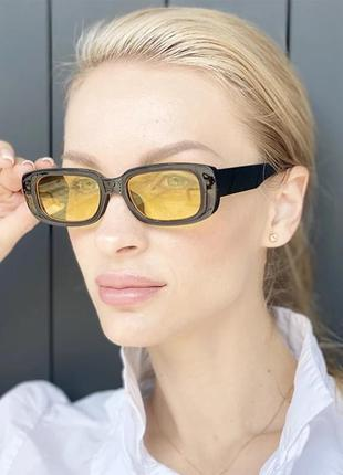 Тренд 2021 имиджевые солнцезащитные очки узкие прямоугольные желтые  ретро винтаж окуляри