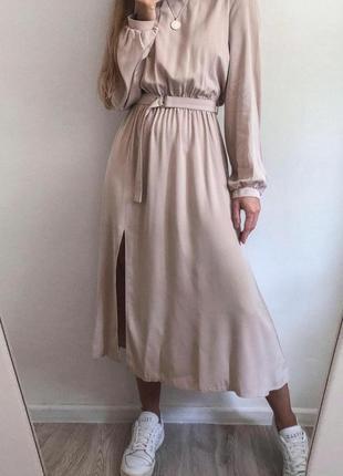Бежева міді-сукня