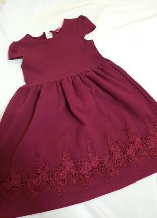 Платье на девочку,цвет бордо.