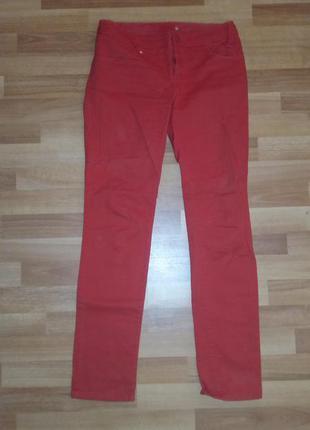 Красные узкие джинсы,р-р 38