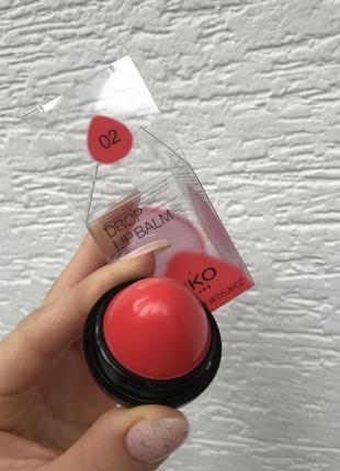 Кольоровий зволожуючий бальзам для губ з фруктовим ароматом. 02 kiko milano