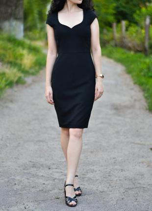 Черное платье-футляр h&m
