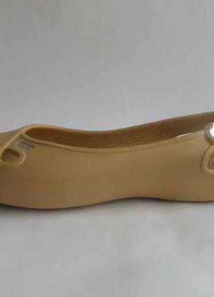 Продам crocs оригинал, песочного цвета