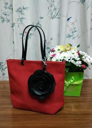 Мини сумочка с короткими ручками под замш красная