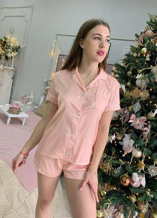Шелковая пижама в стиле victoria secret. атласная пижама шорты и рубашка персиковая  хс-л