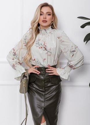 Стильная нарядная блуза с принтом