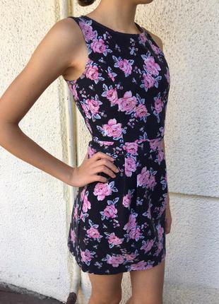 Платье сезон лето-осень цветочной расцветки