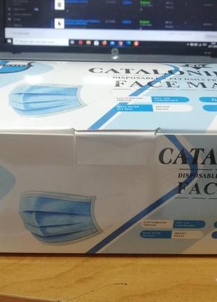 Маска трехслойная медицинская на резинке (50 шт в упаковке)