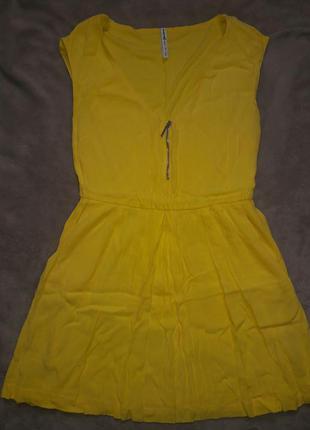 Солнечное платье stradivarius