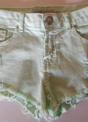 Мятные джинсовые шорты