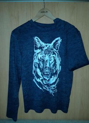 Кофта лонгслив с изображением волка