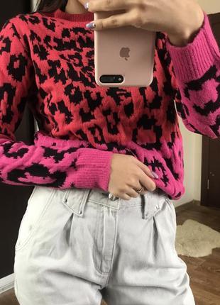 Яркий вязанные свитер, розовый леопардовый принт