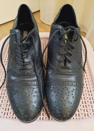 Туфли с перфорацией 41 р.