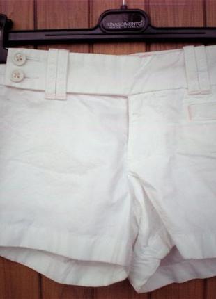 Белые шортики от old navy