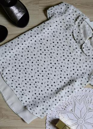 Блуза укорочена двухслойна в цікавий принт c&a