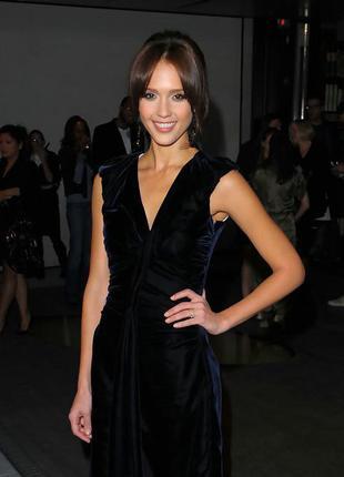 Очень красивое,маленькое,черное,бархатное,шелковое платье  laura ashley,вискоза+ шелк.