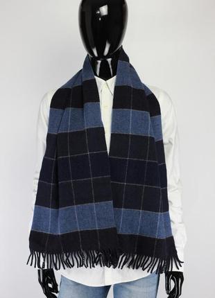 Фирменный шерстяный шарф