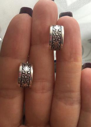 Серьги серебряные цветана