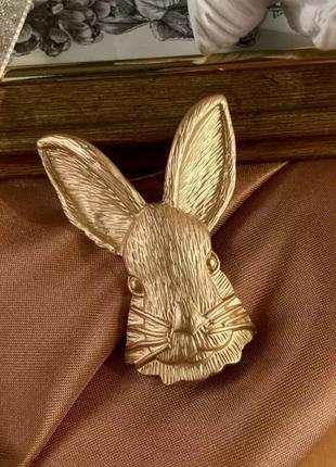 Качественная золотистая брошь заец кролик брошка под ретро винтаж