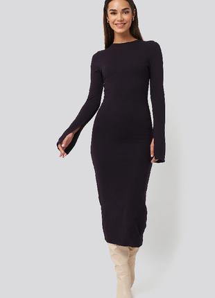 Трикотажное платье по фигуре na-kd размер s,m