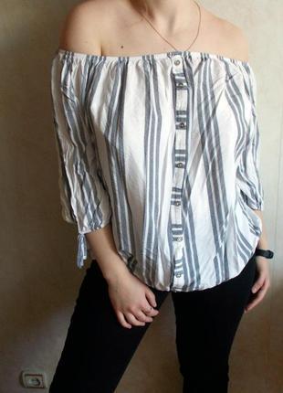 Стильная блузка в полоску оверсайз