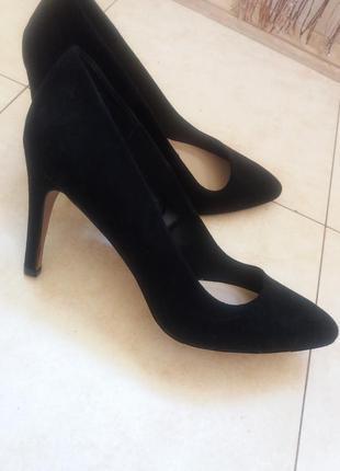Стильные туфли на каблуке