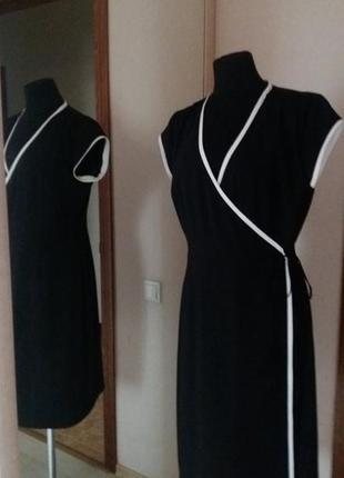 Брендовое платье на запах платье-халат черное с белой отделкой  от in wear раз.38-40