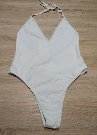Новый белый сплошной купальник монокини