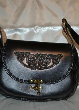 Красивая кожаная сумка ручной работы