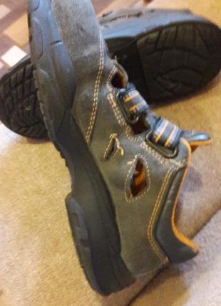 Спецобувь с металическим передом ,полуботинки,кроссовки