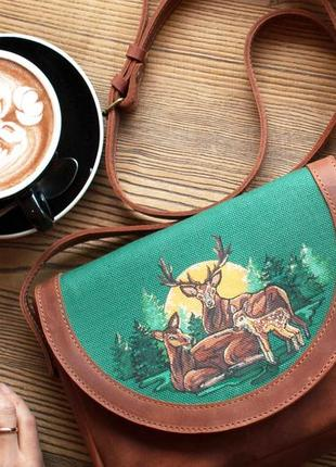 Рыжая кожаная сумочка через плечо с росписью семья оленей