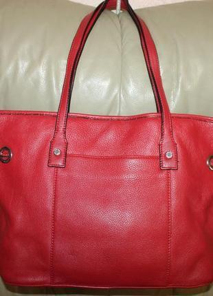 Фирменная сумка бренда calvin klein
