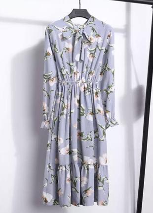 Шифоновое платье миди трендовый цвет baby blue цветы 2021