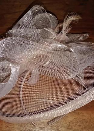 Элегантная шляпка на обруче