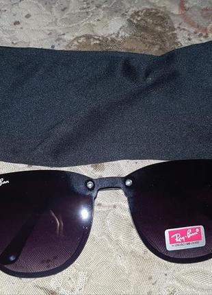 Новые стильные очки ray ban.