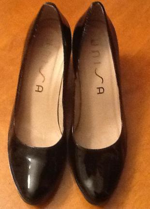 Испанские лаковые туфли unisa 41