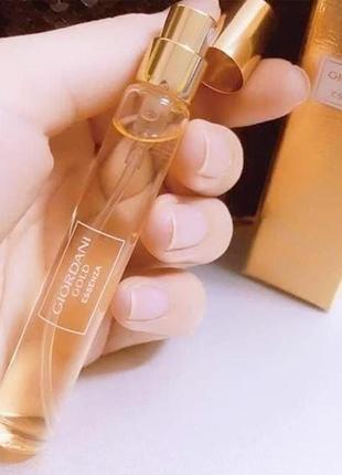 Парфюмерная вода giordani gold essenza. мини-спрей 8 мл код 33493