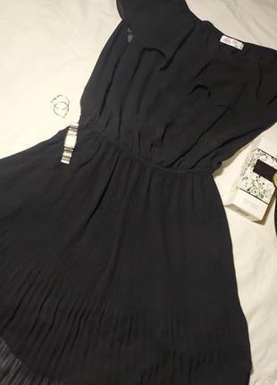 Лёгкое платье с резинкой на талии
