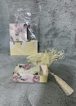 Шкатулка, коробочка для подарков.