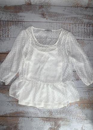 Белая прозрачная блузка в горошек