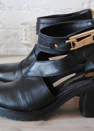 Кожаные ботинки туфли с открытыми боками  river island / шкіряні черевики туфлі