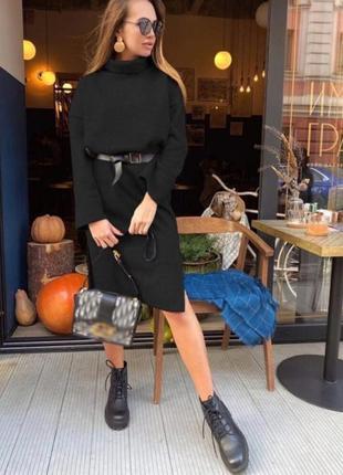 Теплое платье свободного фасона на флисе высокое горло черный